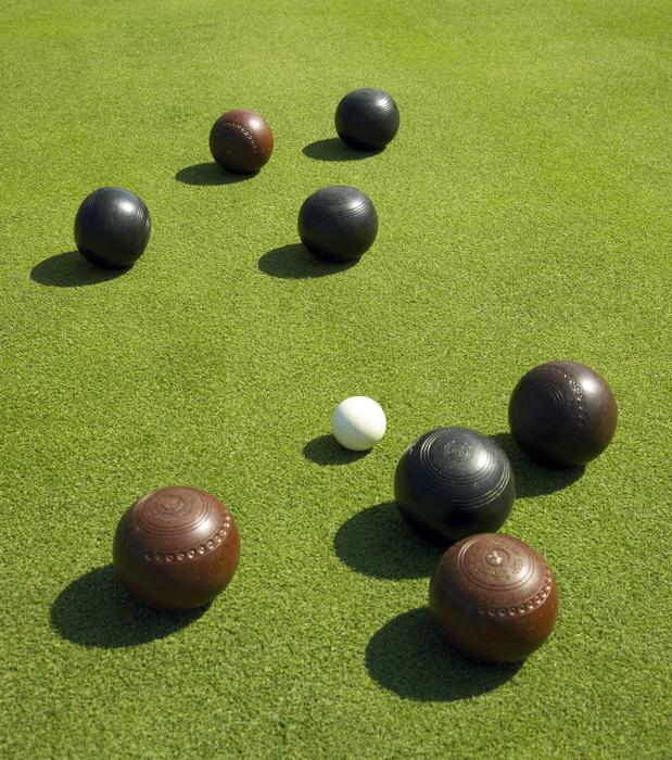 Bocce Ball Lawn Bowling : Lawn Bowling